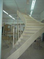 Лестницы из массива ясеня.